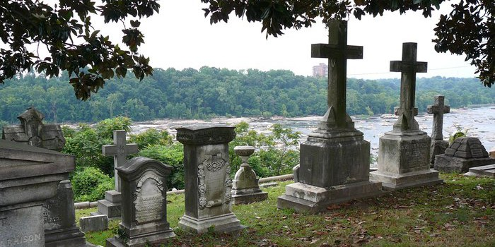 Things To Do In Richmond, VA In Spring - Hollywood Cemetery